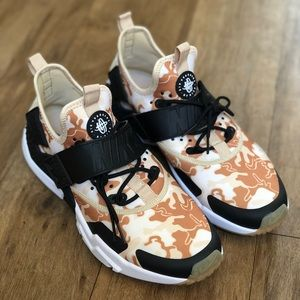 c127ae4b719c Nike Shoes - Nike Air Huarache Drift Premium (AH7335-200)